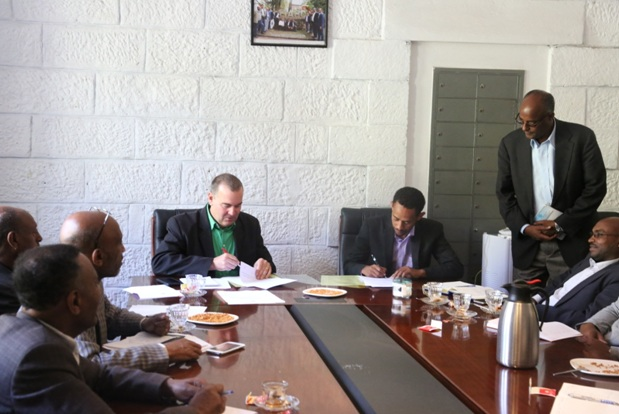Agreement signing ceremony between EiABC and Ethio Steel PlC